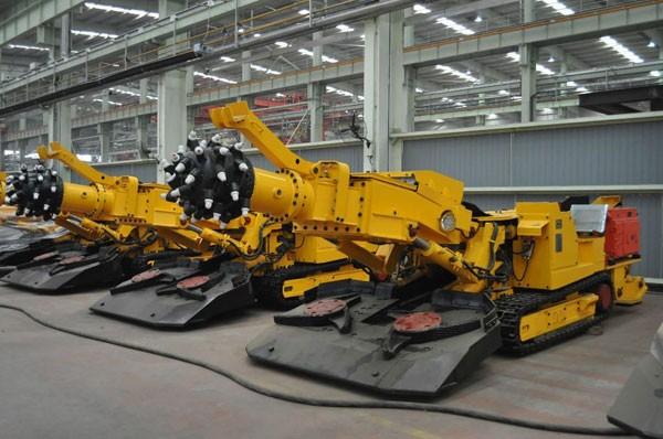 煤矿掘进机液压泵维修工作机构速度不够压力不足故障