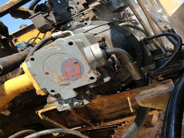 挖掘机液压维修